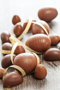 Sjokoladeegg som påskepynt