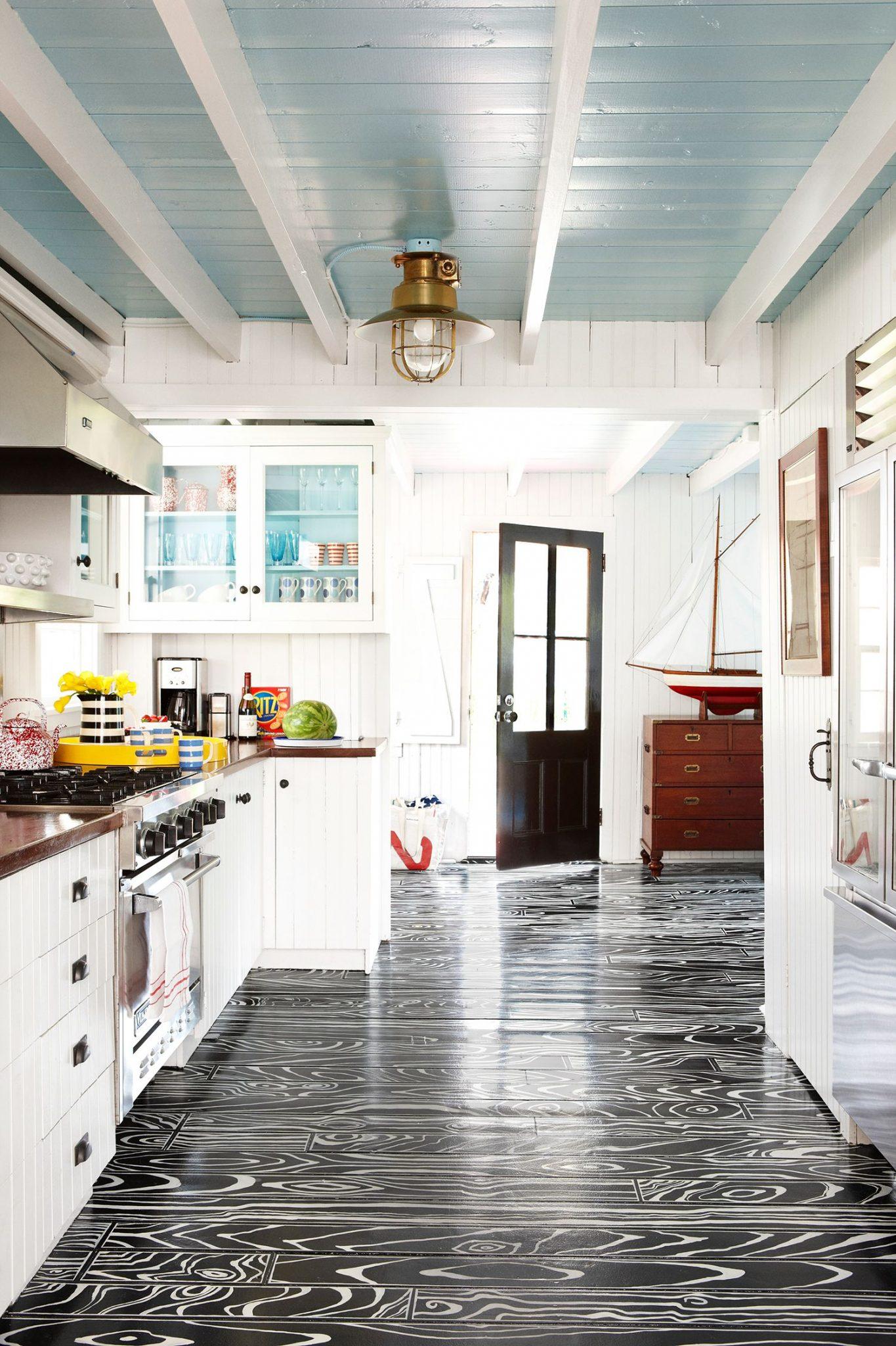 Pastellblå maling på kjøkkenet