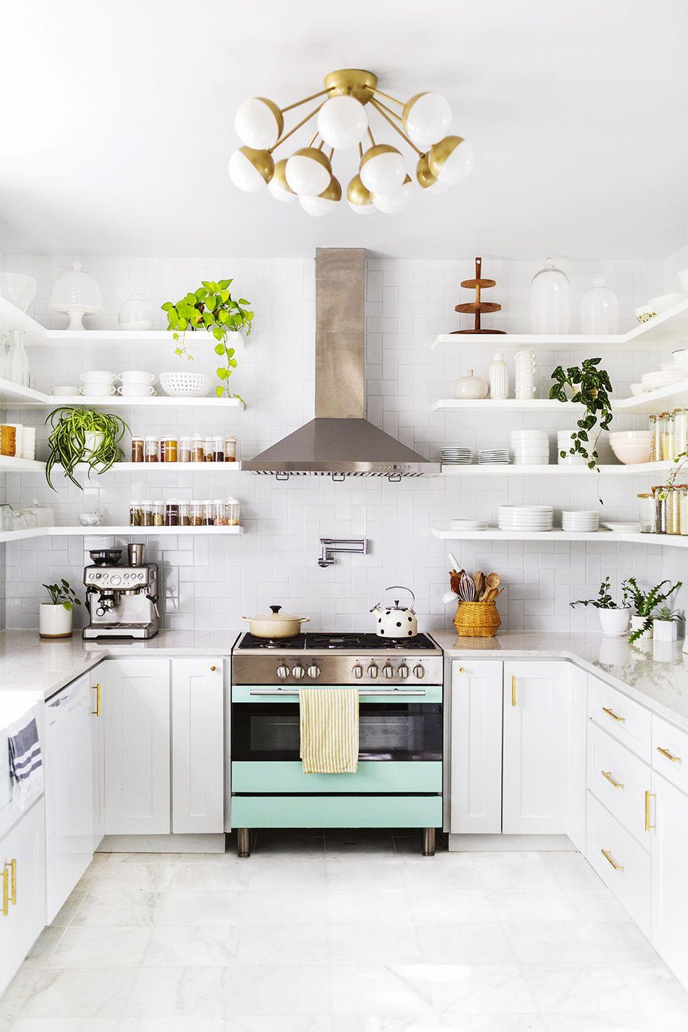 Hvit retrofarge på kjøkkenet