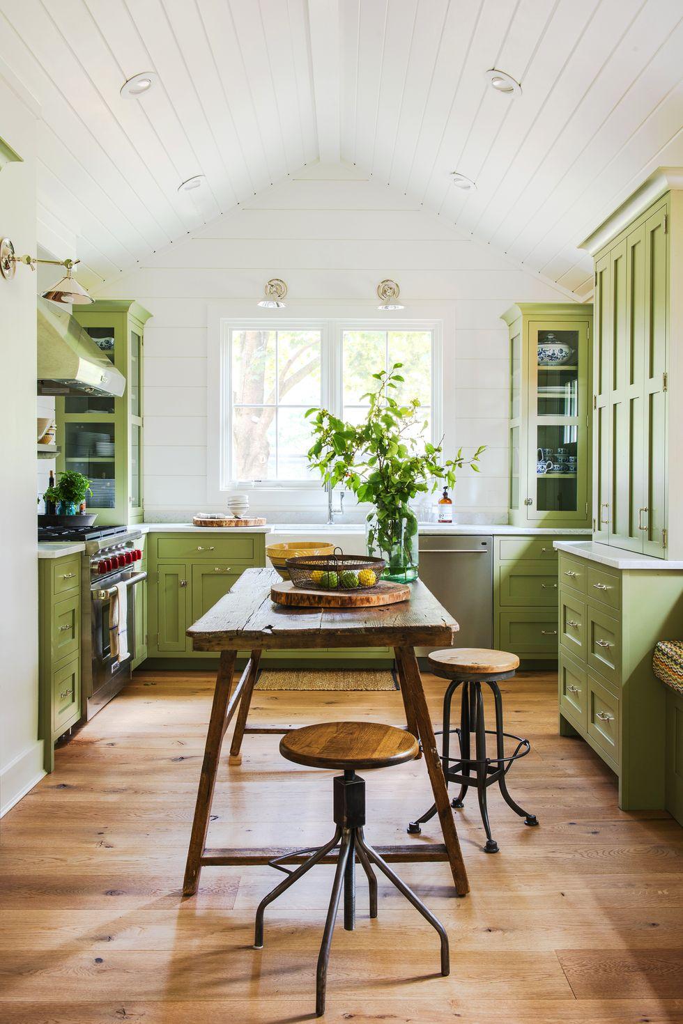 Rustikk grønn maling på kjøkkenet